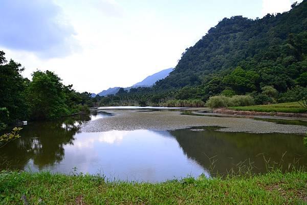 赤柯山裡的一個湖
