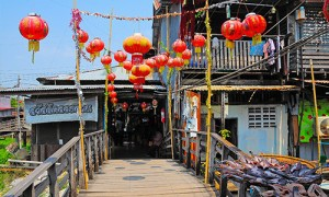 KlongSuanRoiPi-Floating-Market_03-300x180