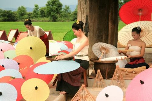 Umbrella-Painting-9915PO-500x333.jpg