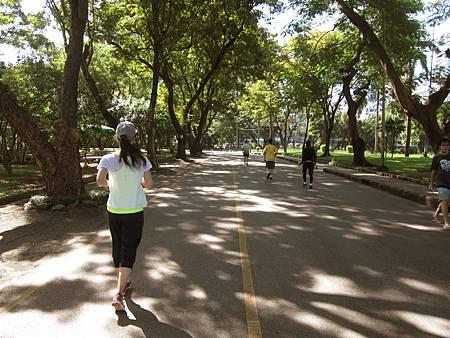 20131102_Lumphini Park 倫坡尼公園慢跑(5).JPG
