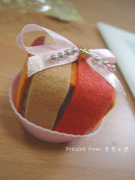 2011/01/21 來自貝兒小熊的禮物-可愛的插針座