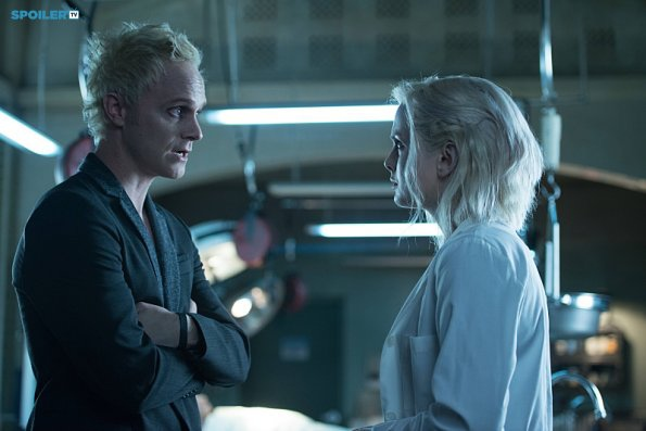Rose-McIver-and-David-Anders-in-iZombie