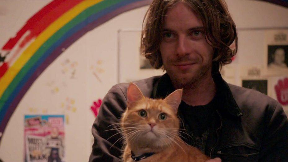 a_street_cat_named_bob_still.jpg
