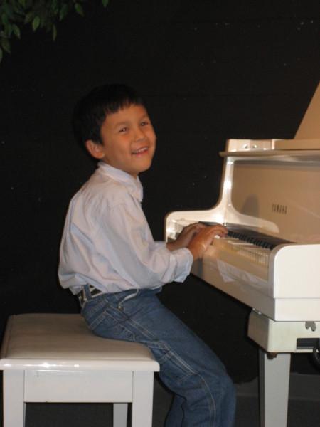piano performing