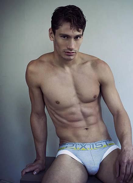 3. 三角內褲