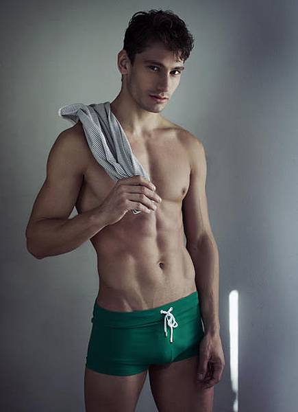 4. 泳褲型內褲