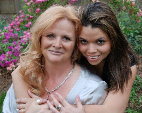 作者 & 她的女兒 :)