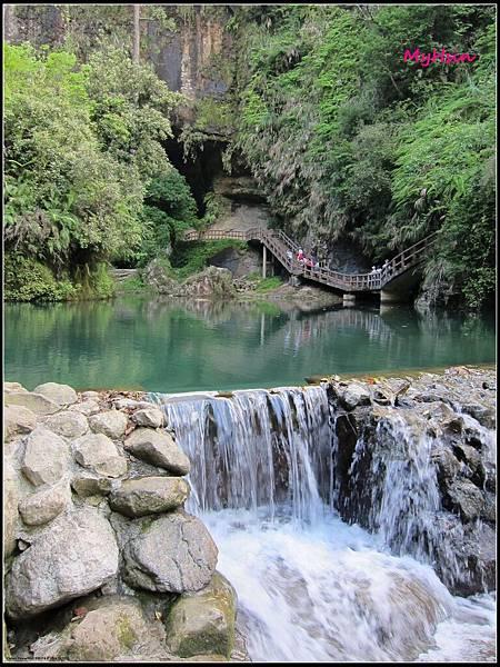 終於到達最有名的瀑布區了