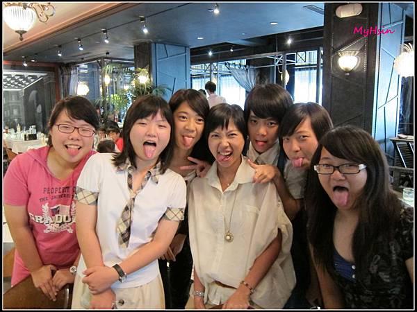 禹心妹妹的舌頭真的很長ㄟ!!