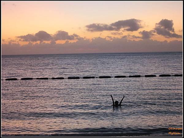 喔耶~整片海都是我一個人的!!!!