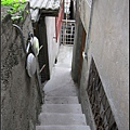 寶藏巖裡都是這樣有很多階梯的小巷子