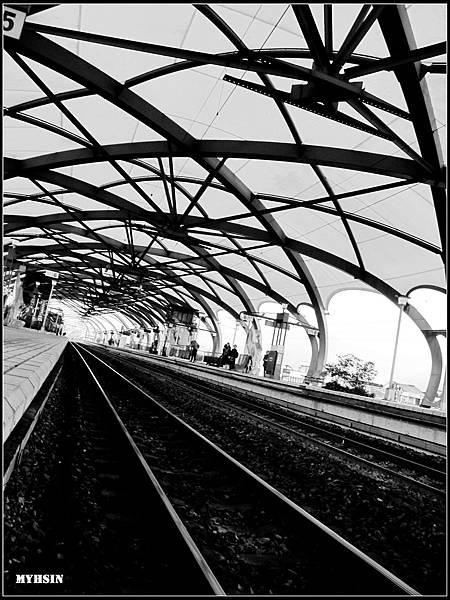 車站其實很美麗的。