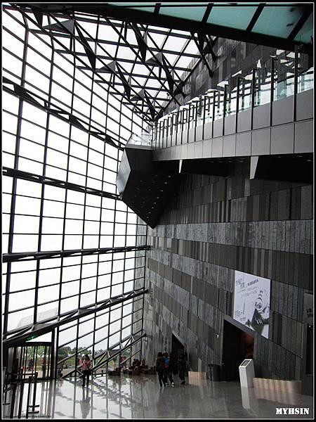 蘭博館的建築真的很酷!!!