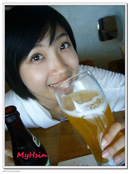 哈密瓜啤酒甜甜的~好喝唷!!