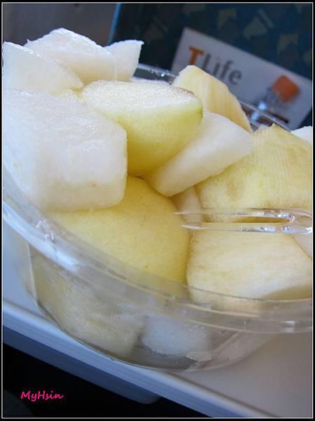 阿母切的水果,當了點心、晚餐才把他們全部吃光!!!