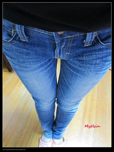 新買的褲子!!