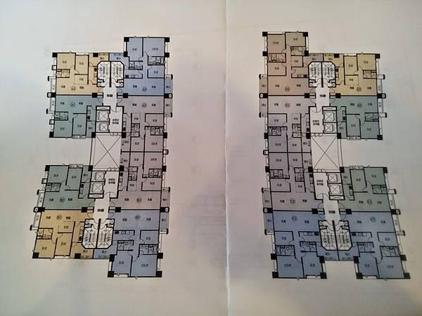 內側兩邊都是3房或4房的,外側面東方文華、面慈雲路則是2房或2+1房的