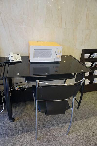 DSC01025 (680x1024).jpg