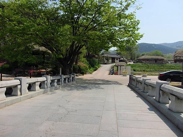 外岩里民俗村 (1).JPG