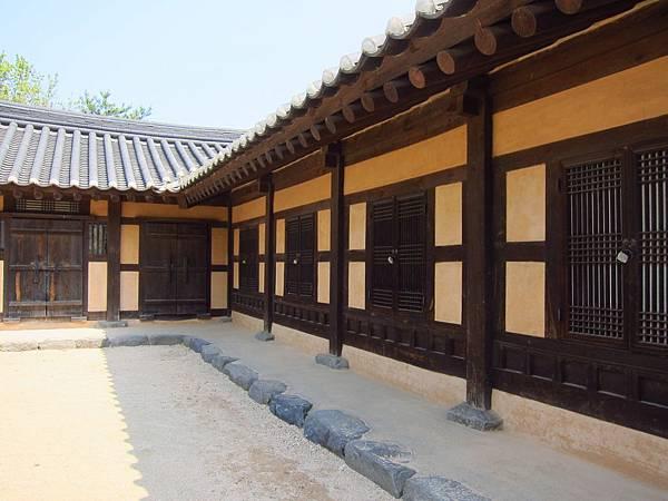 外岩里民俗村 (5).JPG