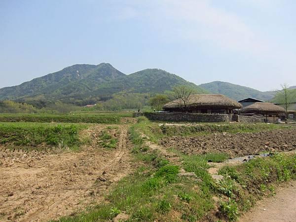外岩里民俗村 (16).JPG