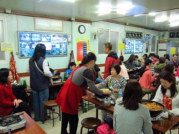 新堂洞年糕鍋+拉麵 (2).JPG