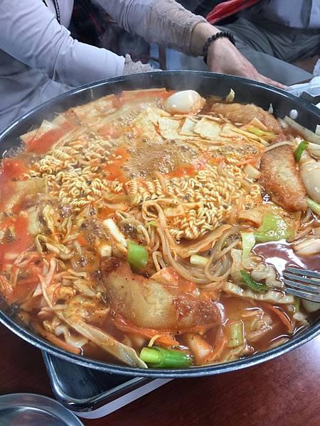 新堂洞年糕鍋+拉麵 (3).jpg