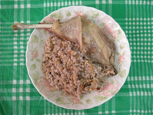 20081120 雞腿飯 (2)