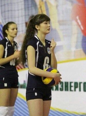 Altynbekova Sabina (19)
