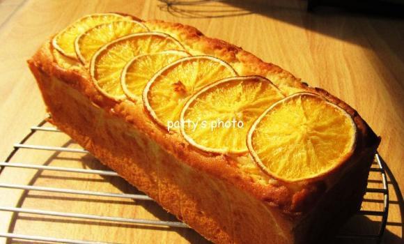柳橙磅蛋糕吃完很有飽足感