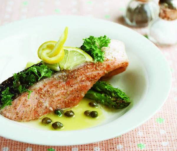 鮭魚佐酸豆檸檬奶油醬汁 (1).jpg