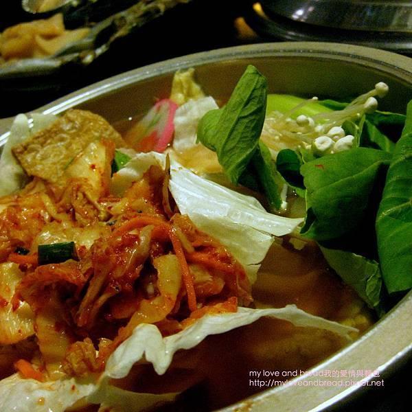 101014 spicy hotpot buffet_03