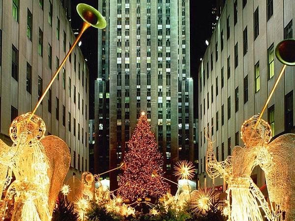 Christmas_At_Rockefeller_Center_New_York_City_New_York.jpg