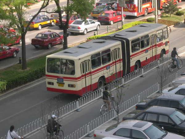 特別的公車(像手風琴)