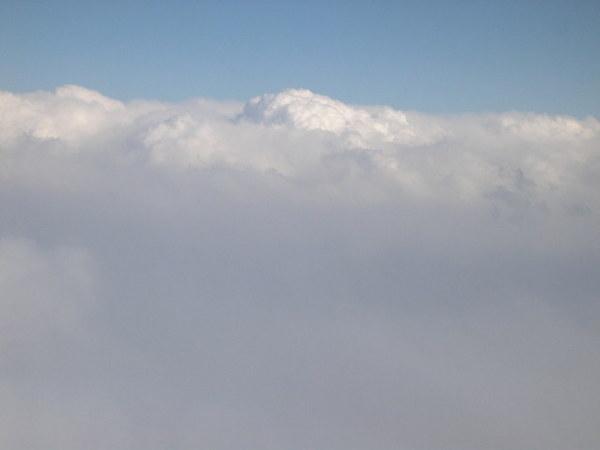 雲很美是吧