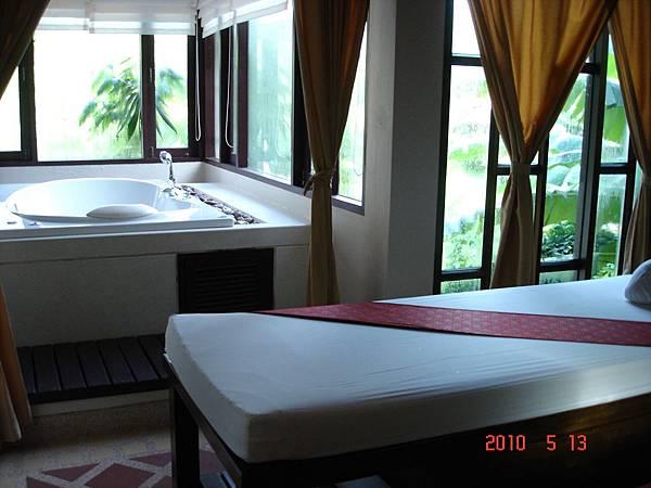 DSC08608普吉SUKKO 素可城堡SPA 的房間.JPG
