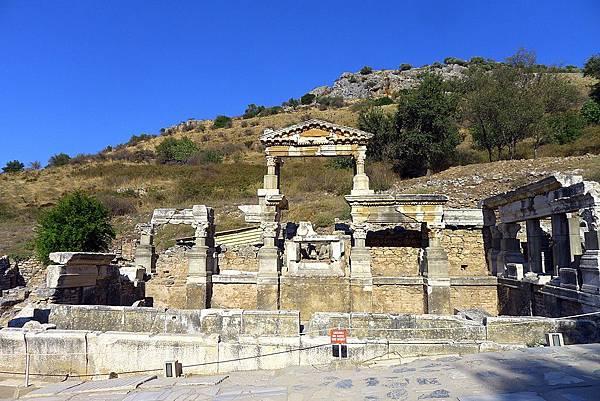 2013-10-13 15-41-46  艾菲索斯古城遺跡.JPG