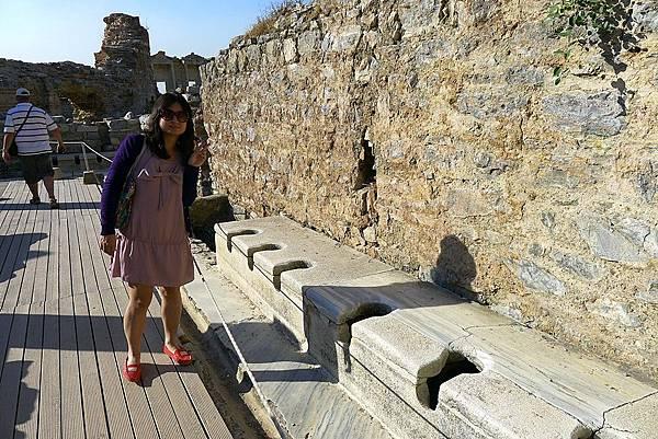 2013-10-13 15-55-57  艾菲索斯古城遺跡.JPG