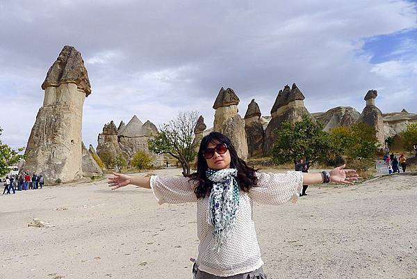 2013-10-17 14-42-47  cappadocia蕈狀岩.JPG