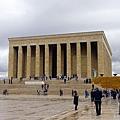 2013-10-18 11-12-26 凱默爾陵寢紀念館.JPG