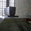 2013-10-18 11-24-00 凱默爾陵寢紀念館.JPG