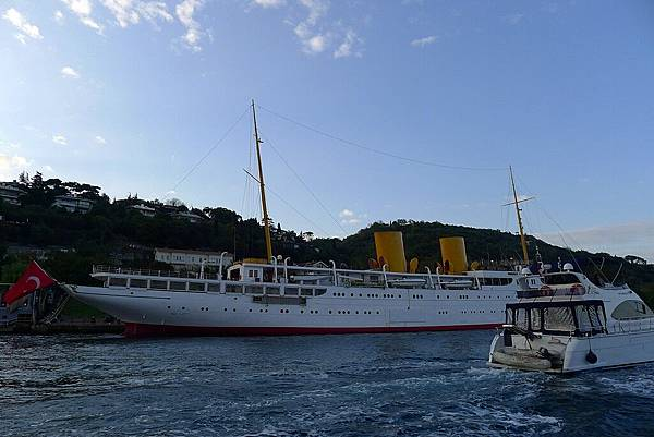 2013-10-19 17-17-16 Bosporus海峽遊船.jpg