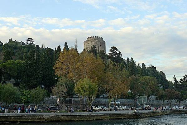 2013-10-19 17-36-10 Bosporus海峽遊船.jpg