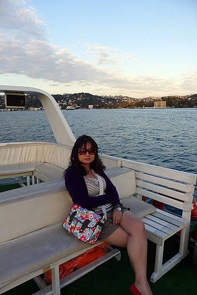 2013-10-19 17-42-16 Bosporus海峽遊船.jpg