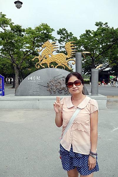 20140619 141700 大陵苑天馬塚.JPG