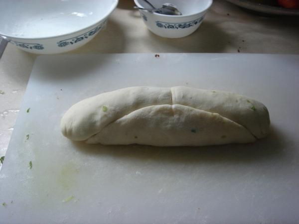 肉鬆麵包之未切割長形麵團