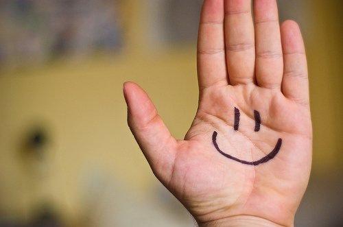 『幸福小品』用你的笑容去改變這個世界,別讓這個世界改變了你的笑容。