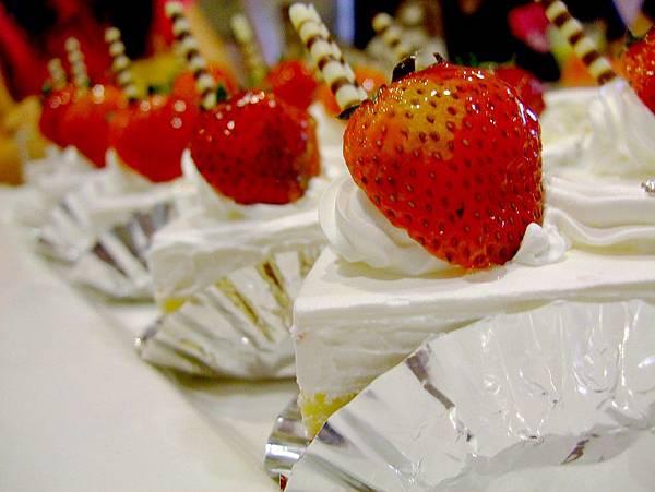 武暖.甜入心的草莓蛋糕.jpg