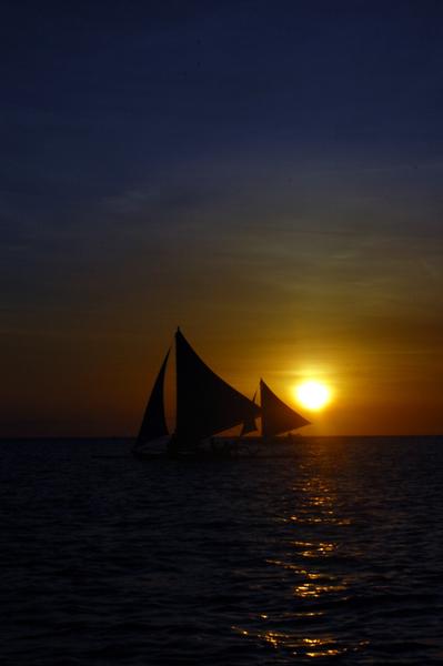 長灘島Boracay坐著風帆看夕陽