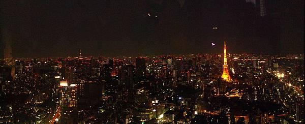 靜靜看著東京鐵塔亮燈,其實還是有種沈靜溫暖的感覺。